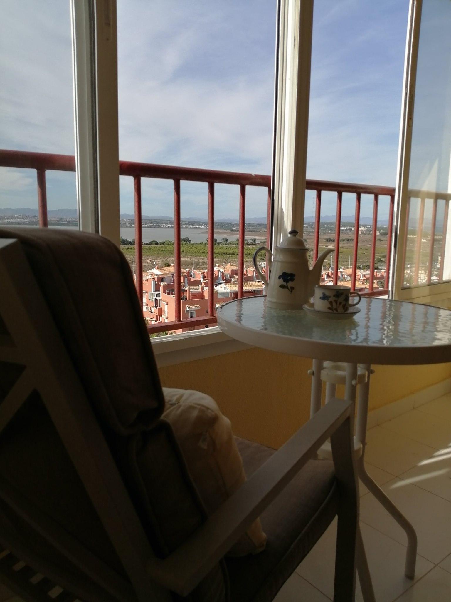 Penthouse w Torrevieja z widokiem na słone jeziora